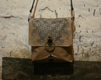 Taupe shoulder bag with woven fabric insert