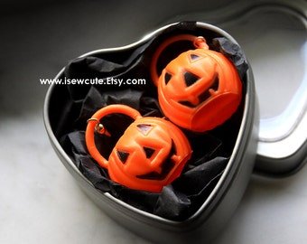 Halloween Earrings, Pumpkin Earrings, Jack o'Lantern Earrings, Spooky Jewelry, Retro Halloween Trick or Treat Pumpkin Jewelry by isewcute