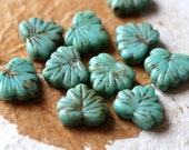 TURQUOISE LEAVES .. 10 Picasso Czech Glass Leaf Beads 11x13mm (4894-10)