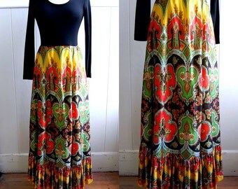 ON SALE - 1970s Colorful Maxi Dress