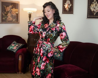 Vintage 1940s Dressing Gown - Incredible Hibiscus Floral Print Rayon Satin 40s Hostess Gown with Large Pockets and Sash Belt