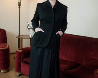 Vintage 1940s Jacket - Sophisticated Black Gabardine 40s Suit Jacket with Double Lapels and Fantastic Button Detailed Peplum