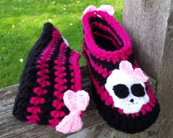 Size 4 - 6 Girls Comfy Crochet Monster Brights Slippers Ready to Ship.  Bright Pink and Black.  Custom made also available any size.