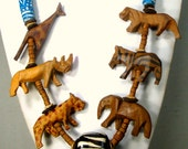 African SAFARI Necklace, Large Wood Carved Lion, Giraffe, Zebra, Elephant , Rhino, Cheetah Beads 1980s Big Game Hunting