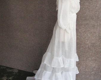 Antique Victorian Dress 1890s 1900s Vintage White Cotton, 2 Piece Set, High Neck Cape Collar Blouse, Ruffled Trained Skirt, Bust 34 Waist 24