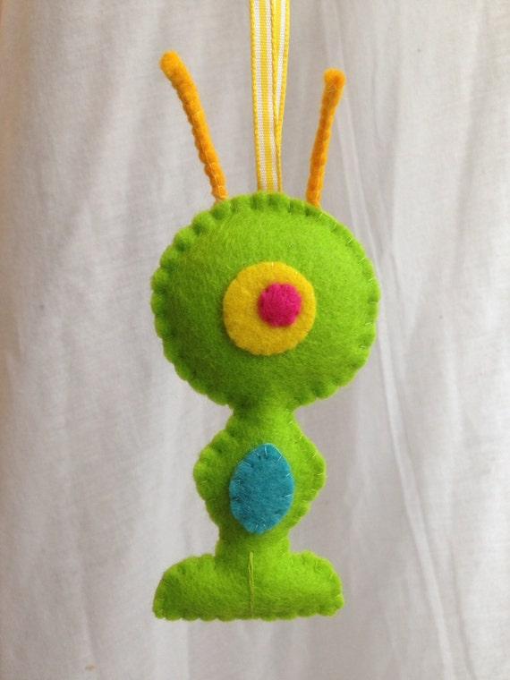 Hanging decorations felt alien wool felt decoration for Alien decoration