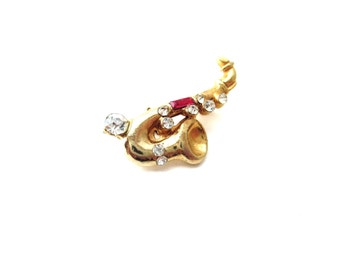 1950's Clear & Red Rhinestone Gold Tone Metal Unmarked Vintage Jazz Saxophone Instrument Brooch / Pin