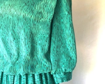 Vintage TEAL Green ANIMAL Print Dress / Pleated Bottom / Womens Small Medium