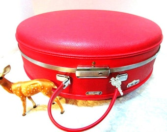 Vintage Round Red Train Case, American Tourister Tiara w/ Bellhop Key, Ex Lrg Deluxe w/Divider, Bellboy, Hand Luggage Carry On Overnighter