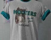 Vintage TShirt Distressed Hooters Cleveland gray teal Tee Owl Animals MEDIUM