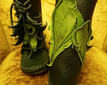 NEW! Elf Wrap Moccasin Forest Green w/ Irish Green Leaf Applique Hand Stitched Thick Bullhide Leather Upper With a Vibram Sole / Renaissance