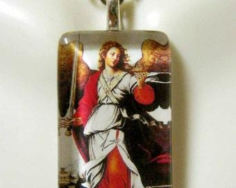 Archangel Raphael pendant with chain - GP09-138
