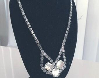 Vintage 1940's 1950's rhinestone Necklace -- Old Hollywood Glamor