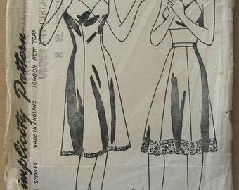 40's Slip and Half Slip Pattern - Simplicity 4628 - Size 16 - Vintage Wartime Lingerie Pattern - 40's Lingerie Slip Underwear