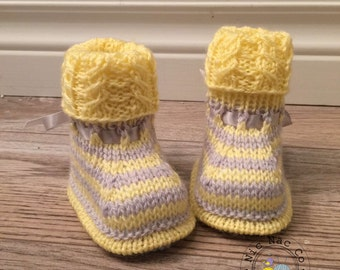 Yellow and grey striped baby shoes (0/3 months)