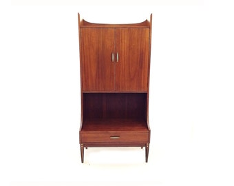 Vintage Mid Century Hutch In Wood