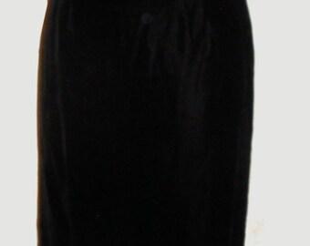 Women's Elegant Black Velvet Evening gown/ Dress by Watters & Watters  Sz S