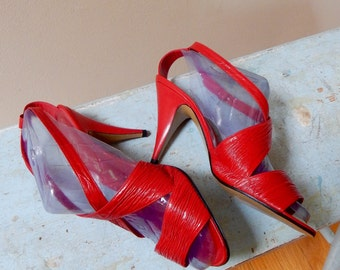 1980s Red Nina Originals Ankle Strap Peep Toe High Stiletto Heels Rippled Textured Leather Rockabilly Vibe Sizzling Hot!
