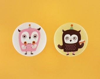 """Mother and Baby Owl - 1.75"""" or 3"""" Button Badges or Magnets - Encouragement Love Birthday Friendship Mothers Day Pin Bdage - Happy Pinning"""