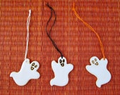 Ceramic Ghost Ornaments or Package Tie-Ons (3) - Set of 3 Friendly Ghosts - Halloween Theme Gift Package or Bottle Decoration - Gift Tag
