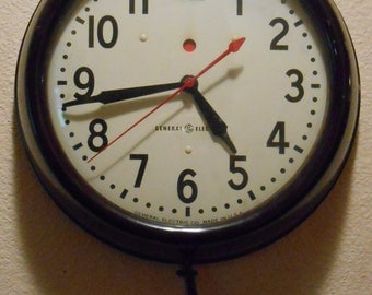 Vintage General Electric Telechron School Industrial Clock 1HA1608 Works