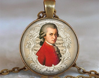 Mozart necklace, Mozart pendant, music lover gift, music teacher gift, classical music, symphony lover gift, composer key chain