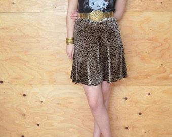 Vintage 80's Skirt Printed Velvet Gold & Black Color Fitted A-line Cut SZ S
