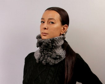 Charcoal Gray Scarf, Infinity Scarf, Chunky Cowl, Knit Scarf, Mens Cowl, Wool Alpaca Cowl, Winter Neck Warmer, Women Cowl, Green Snood Scarf