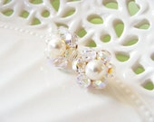 Crystal and pearl cluster earrings, pearl stud earing, vintage pearl earings, crystal post earring, pearl studs, classic jewelry