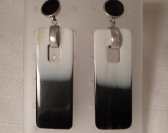 Vintage / KENNETH COLE / Pierced Earrings / Black / White / Lucite / Massive / Striped / Tribal / Organic / Designer Signed / Accessories