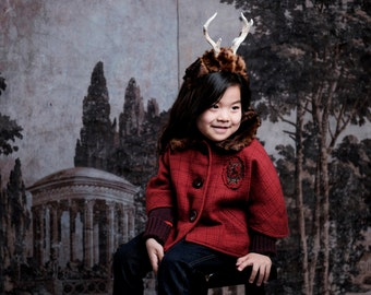 Girls Red Capelet with Fur Collar, Handmade Cape with Deer Embroidery, Checked Wool Capelet