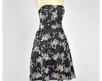 SALE Vintage 1950s Style Party Dress Tulle Dress Fit and Flare Formal Dress Floral Applique Full Skirt Cocktail Dress Cream Black Dress M