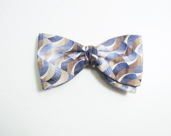 Tan & Blue Wavy Vintage Bow Tie