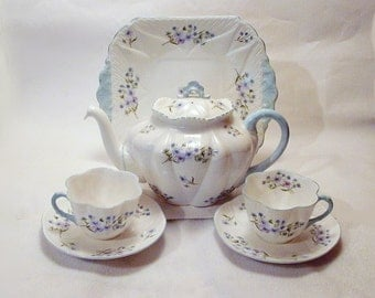 SHELLEY TEA SET! 7 Piece Dainty Blue Rock