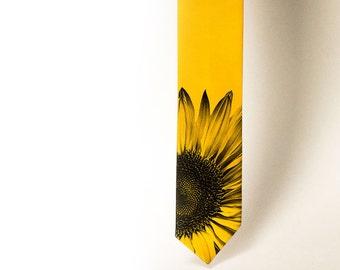 Sunflower men's necktie. Yellow tie. Floral mans tie. Unisex yelow necktie. Botanical necktie. Bocho wedding necktie.