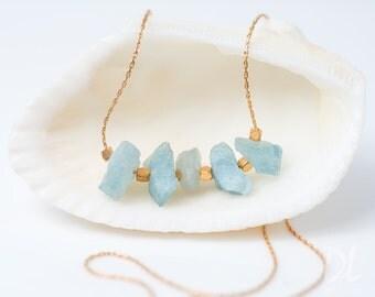 Raw Aquamarine Necklace - Rough Aquamarine Stone Bar Necklace - Raw Stone Necklace - March Birthstone Layering Necklace - Beaded Necklace