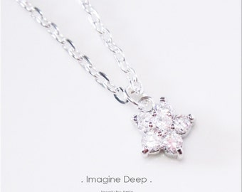 Crystal Flower Blossom Necklace CZ Diamond White Topaz like Silver Plated Solitaire Necklace 16 17 18 inch 50% off SPECIAL