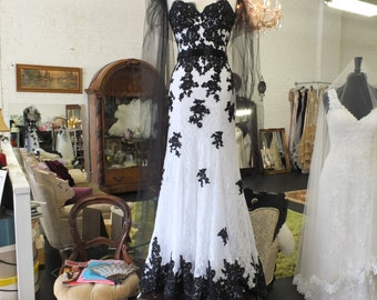 Wedding dress Black & white lace beaded mermaid alternative wedding dress evening gown