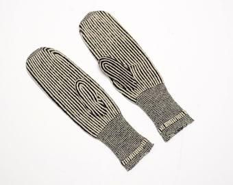 vintage 40s 50s wool mittens black white stripe handmade homemade salt pepper knitted mittens 1940 1950 winter gloves