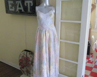 Vintage 60s Pastel Nightgown / Corhan Noumair Embroidered Long Nightgown