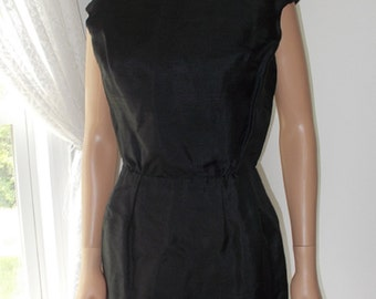 Silk Dress Black Fully Lined Pintucked Waist Simple Classic Lines 1950s Vintage