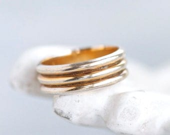 Pale Golden Wedding Band Stripes Ring - Size 6.5