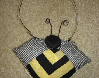 Log cabin HONEY BEE Quilted  pieced Ornament decoration