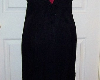 Vintage Ladies Black Low V Back Beaded Cocktail Dress by CDC Size 10 Only 14 USD