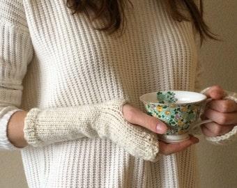 SALE: Cream Wrist Warmers, Fingerless Gloves / Off-White Ivory Knitted Commuter Mitts / Vegan Yarn
