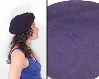 Dark Navy Blue Beret 80s Wool Size Small Artsy Jeezum Crow Vintage