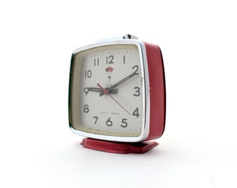 Vintage Red alarm clock made in China 80s, Polaris alarm clock, Mechanical clock