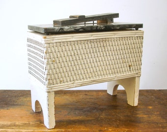 1940s Vintage White Wicker Shoeshine Box Primitive Antique Cottage Chic Shoe Shine Caddy / Carrier with foot rest on lid