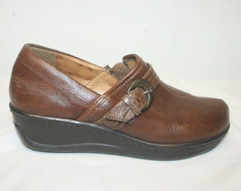 Size 6,Leather Mary Janes,mary janes,leather wedges,wedges 6,size 6 shoes,womens shoes size 6,mary jane wedges,slip ons,womens shoes