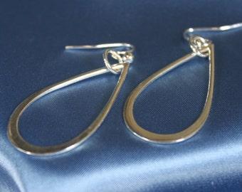 Teardrop silver dangly earrings